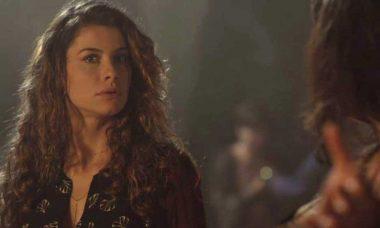 """Teresa presencia Gustavo humilhando Dora, nesta segunda (28) em """"Espelho da Vida"""""""
