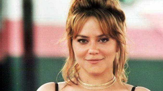 Vivianne Pasmanter como Laura, em Por Amor