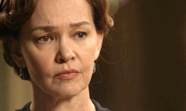 """Piedade (Julia Lemmertz) em """"Espelho da Vida"""""""