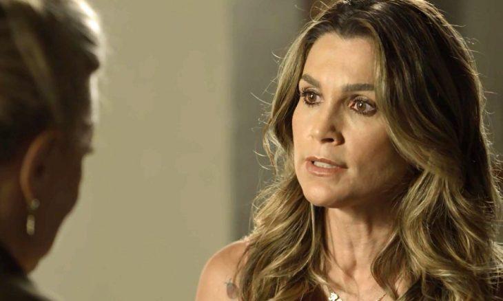 """Rita de Cássia (Flávia Alessandra) em """"O Sétimo Guardião"""""""