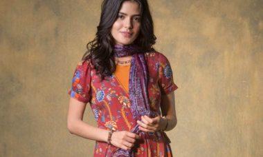 Julia Dalavia é protagonista na novela 'Órfãos da Terra'
