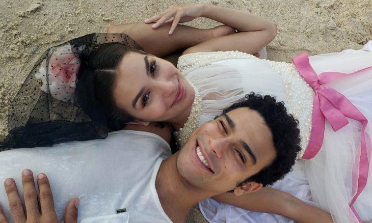 Larissa (Marina Moschen) e Diego (Sérgio Malheiros)