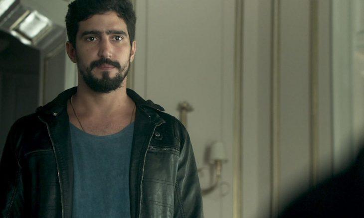"Jamil (Renato Góes) em ""Órfãos da Terra"""