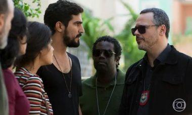 Jamil (Renato Góes) é preso por Almeidinha (Danton Mello)