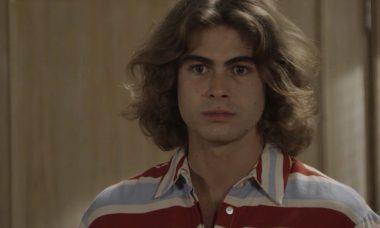 """João (Rafael Vitti) em """"Verão 90"""" / Foto: TV Globo"""