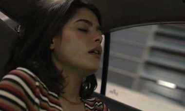 """Laila (Julia Dalavia) em """"Órfãos da Terra"""""""