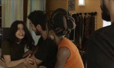 """Laila (Julia Dalavia) e Bruno (Rodrigo Simas) em """"Órfãos da Terra"""""""