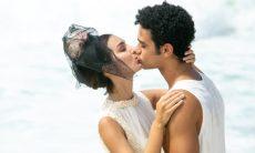 """Larissa (Marina Moschen) e Diego (Sérgio Malheiros) em """"Verão 90"""""""