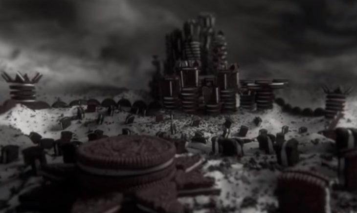 """Oreo reproduz abertura de """"Game of Thrones"""" com bolachas recheadas"""