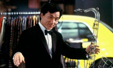"""Jackie Chan em """"O Terno de 2 Bilhões de Dólares"""""""