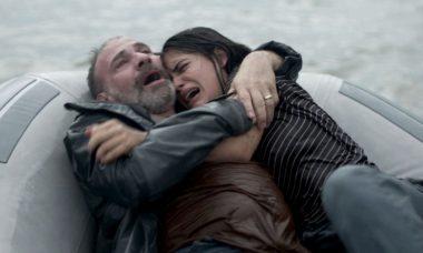 Elias (Marco Ricca) e Laila (Julia Dalavia) em Órfãos da Terra.