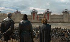 Davos, Jon Snow e Tyrion observam o exército de Daenerys / Foto: Divulgação HBO
