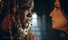 """Jezabel (Lidi Lisboa) e Quenia (Juliana Knust) em """"Jezabel"""" / Foto: TV Record"""