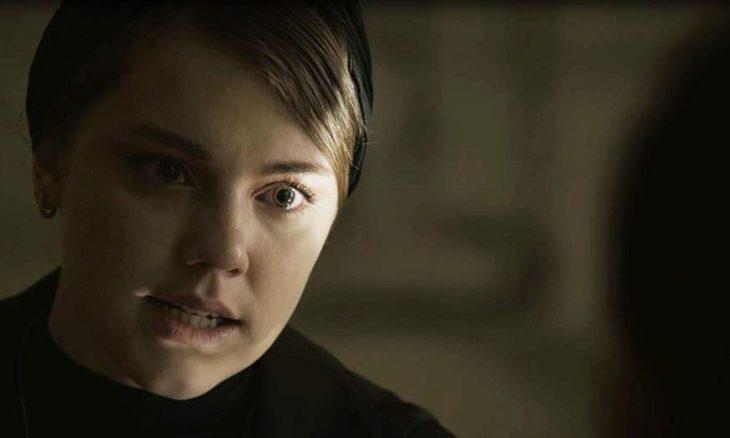 "Dalila (Alice Wegmann) em ""Órfãos da Terra"""