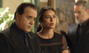 """Olavo (Tony Ramos) e Laura (Yanna Lavigne) em """"O Sétimo Guardião"""""""