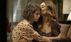 """Jo (Agatha Moreira) e Maria da Paz (Juliana Paes) em """"A Dona do Pedaço"""" / Foto: TV Globo"""