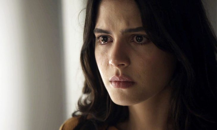 """Laila (Julia Dalavia) em """"Órfãos da Terra"""" / Foto: TV Globo"""