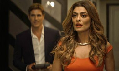 """Régis (Reynaldo Gianecchini) e Maria da Paz (Juliana Paes) em """"A Dona do Pedaço"""" / Foto: TV Globo"""