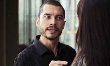 """Camilo tenta invadir o quarto de Vivi. Hoje(19) em """"A Dona do Pedaço"""""""