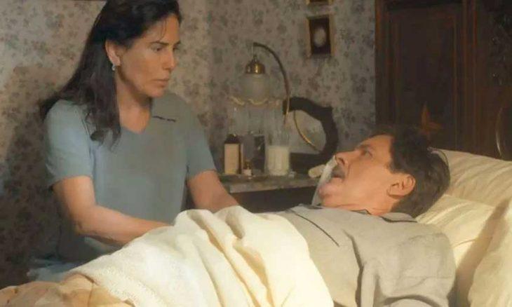 "Júlio sente-se mal, e Lola se preocupa. Nesta sexta (25) em ""Éramos Seis"""