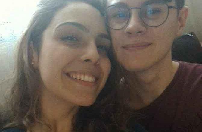 Isabela Tibcherani, namorada de Rafael Miguel faz segunda tatuagem em homenagem ao ator assassinado