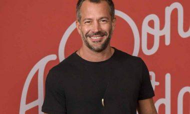 Malvino Salvador é abordado por homens e vira ícone gay com seu personagem Agno, em A Dona do Pedaço