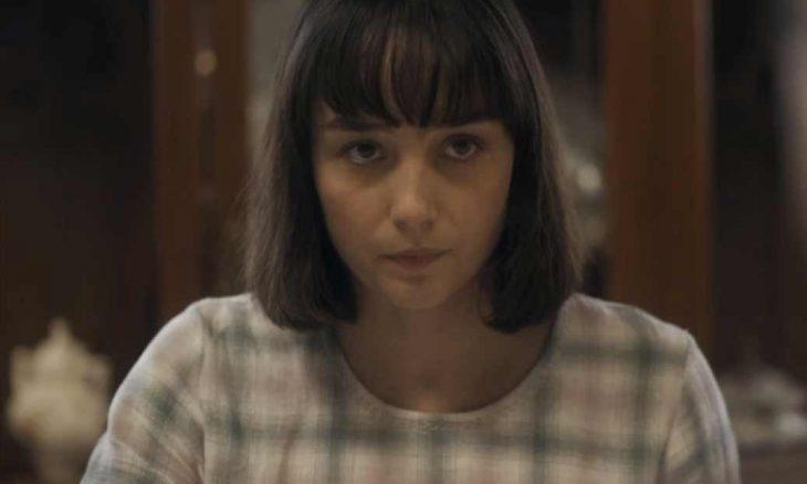 """Olga vai atrás de Zeca e é abordada por um ladrão. Neste sábado (12/10) em """"Éramos Seis"""""""