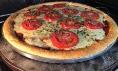 Pizza de pão de queijo de Ana Maria Braga