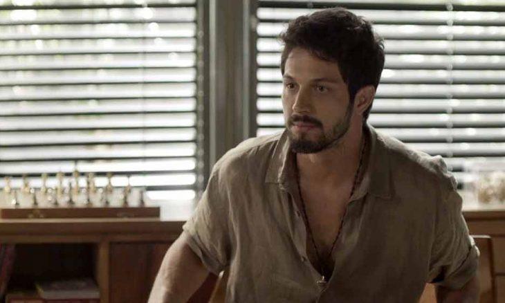 """Marcos avisa a Alberto e a Nana que deixará a mansão. Hoje (13) em """"Bom Sucesso"""""""