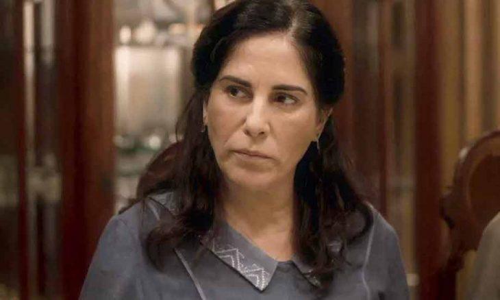 """Lola é impedida de acompanhar o marido ao chegar no hospital. Hoje (13) em """"Éramos Seis"""""""