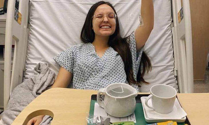 Larissa Manoela passa por cirurgia e atriz faz post para falar com fãs