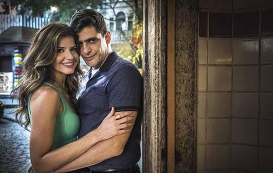 """Thiago pressiona Marco sobre o casamento com Carla. Hoje (12) em """"Malhação"""""""