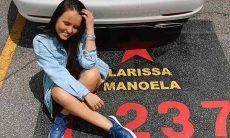 Larissa Manoela se emociona ao deixar SBT ''Uma grande família''