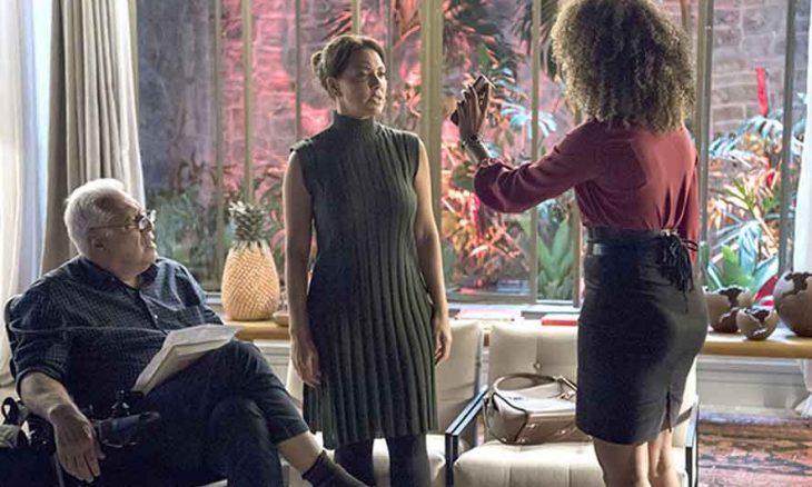 Gisele conta a Nana que foi amante de Diogo. Hoje (5) em Bom Sucesso