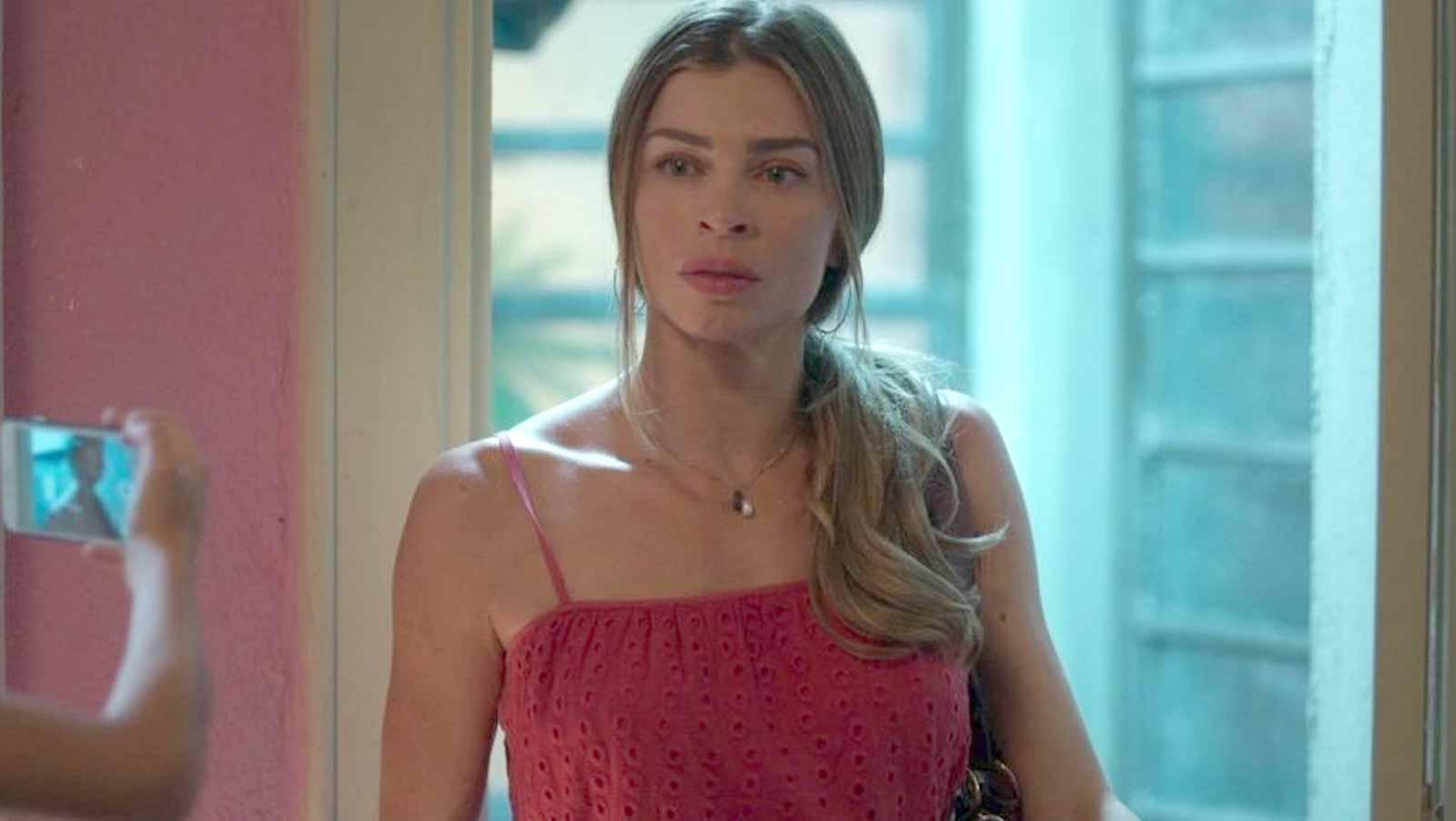 Paloma fica desesperada ao não encontrar Elias em casa. Hoje (20) em Bom Sucesso