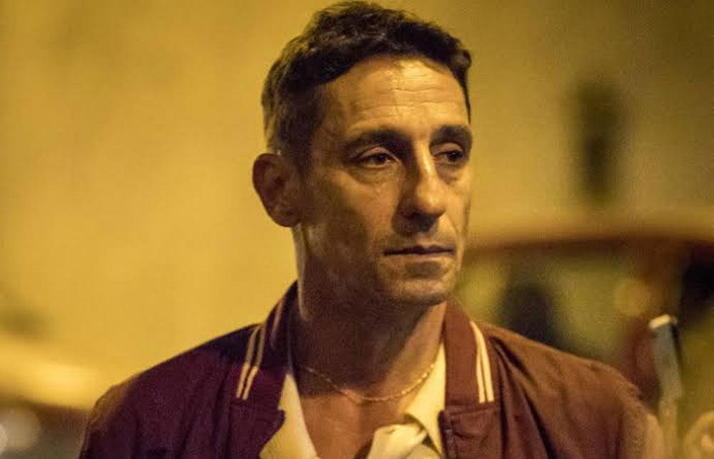 """Wesley filma Belizário recebendo dinheiro de Álvaro. Quinta (9/1), em """"Amor de Mãe"""""""