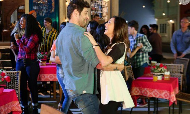 """Afonso e Fernanda se beijam. Terça (18/2), em """"As Aventuras de Poliana"""""""