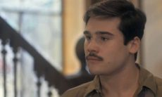 """Lola implora para que Alfredo desista de ir para a guerra. Sexta (13/2), em """"Éramos Seis"""""""