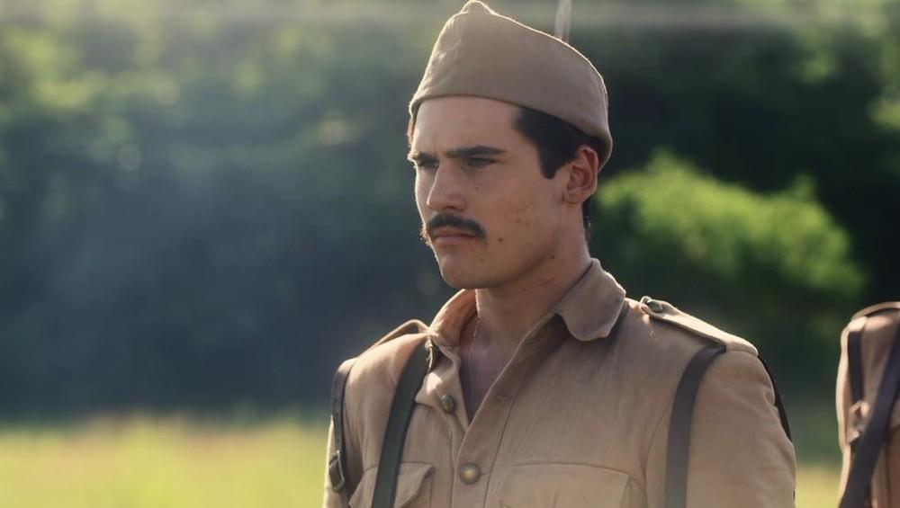 """Alfredo foge do acampamento. Segunda (24/2), em """"Éramos Seis"""""""