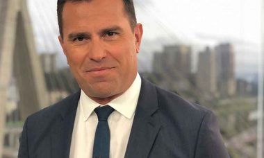 Rodrigo Bocardi usa rede social para se defender da acusações de racismo