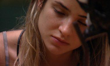 BBB20: Gabi fala sozinha: 'Se ainda te machuca por que insiste nisso?'