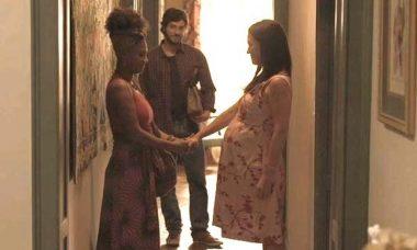 """Thelma entra em trabalho de parto. Sábado (7/3), em """"Amor de Mãe"""""""