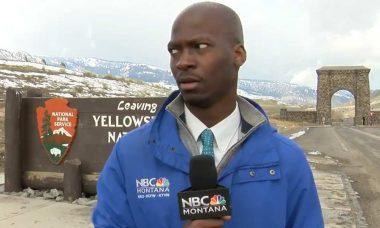 Repórter de TV foge de rebanho de búfalos durante reportagem, veja o vídeo