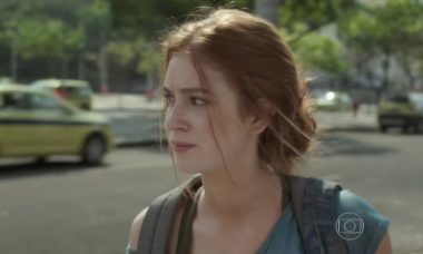 """Gilda orienta Eliza a fugir para não ser presa. Terça (31/3), em """"Totalmente Demais"""""""