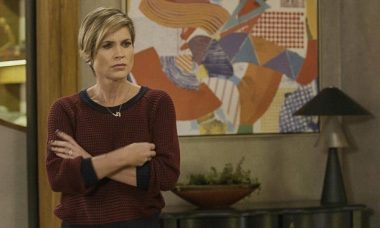 """Helena descobre que Téo passou a noite com Luna/Fiona. Hoje (23/3), em """"Salve-se Quem Puder"""""""