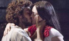 """Joaquim beija Anna. Terça (31/3), em """"Novo Mundo"""""""