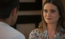 """Téo se declara para Luna/Fiona e os dois se beijam. Sexta (6/3), em """"Salve-se Quem Puder"""""""