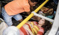 """Serginho e Meg sofrem um acidente de ônibus. Segunda (16/3), em """"Malhação"""""""