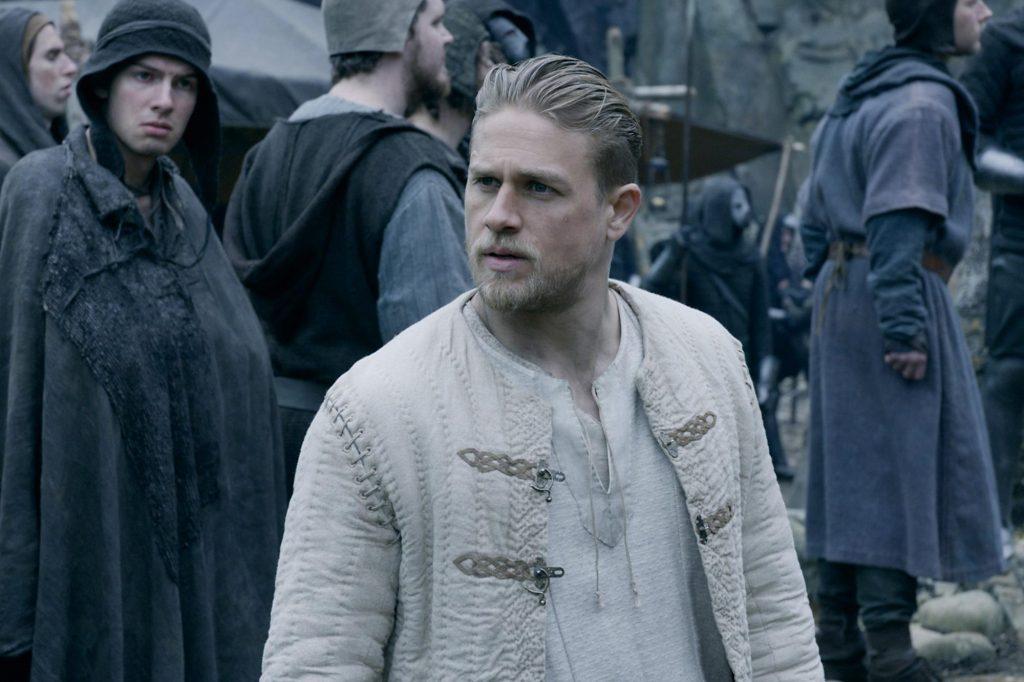 """Cinema Especial exibe nesta quarta (25) o filme """"Rei Arthur - A Lenda da Espada"""""""