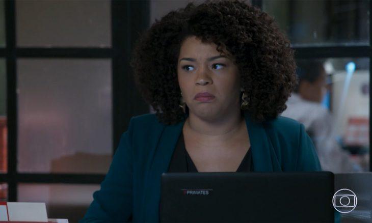 """Renatinha obriga Kyra a escrever uma carta de despedida para Rafael. Quinta (26/3), em """"Salve-se Quem Puder"""""""